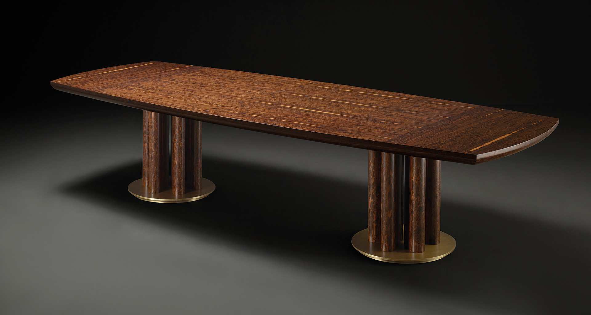 Orazio dining table that belongs to Amaranthine Tales, the 2017 Promemoria collection inspired by the amaranth wood and presented during the Milan Design Week | Promemoria