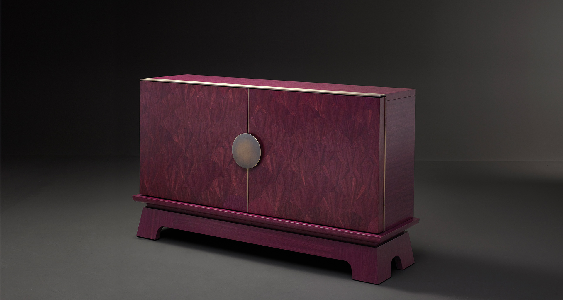 La Belle Aurore cabinet that belongs to Amaranthine Tales, the 2017 Promemoria collection inspired by the amaranth wood and presented during the Milan Design Week | Promemoria