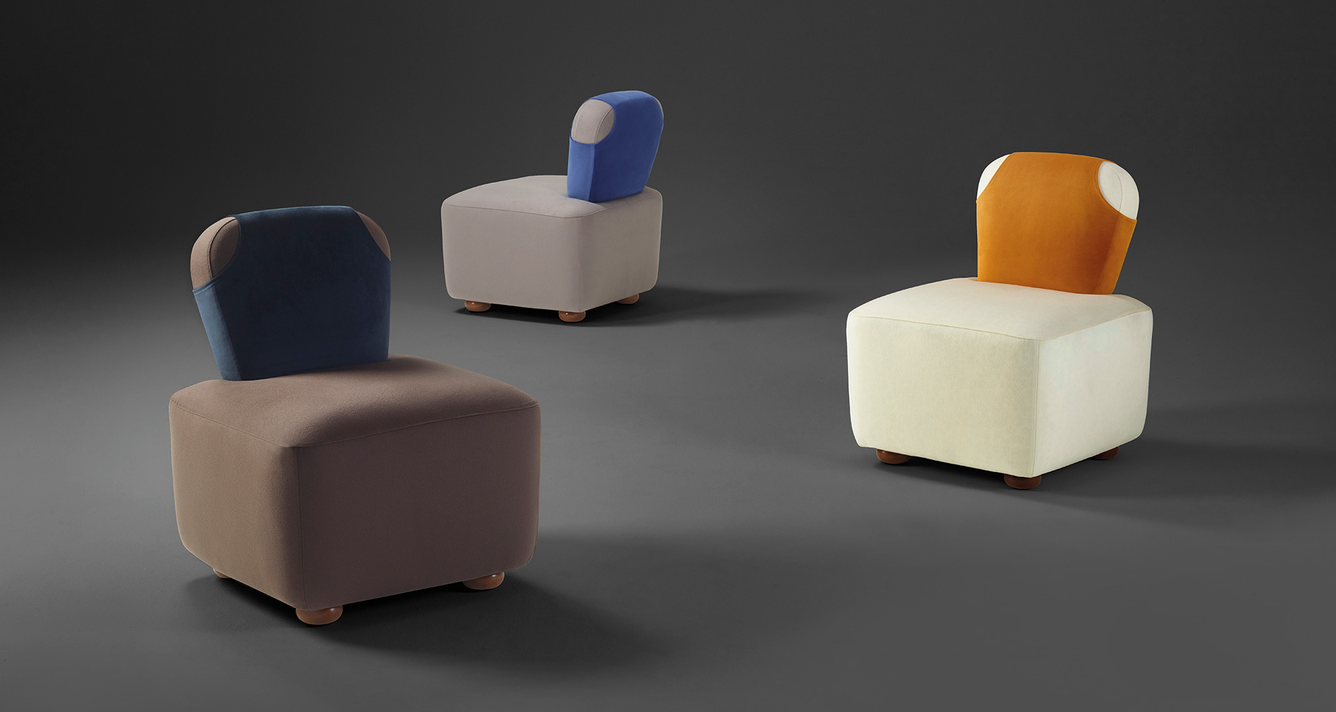 Bomb armchair that belongs to Indigo Tales, the 2018 Promemoria collection led by indigo color and presented during the Milan Design Week | Promemoria