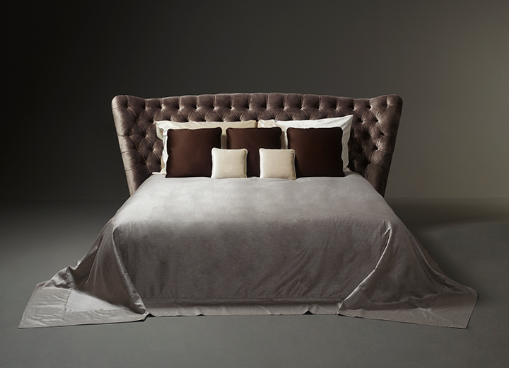 Frou Frou is a bed headboard with a bon ton style from the Promemoria's catalogue | Promemoria