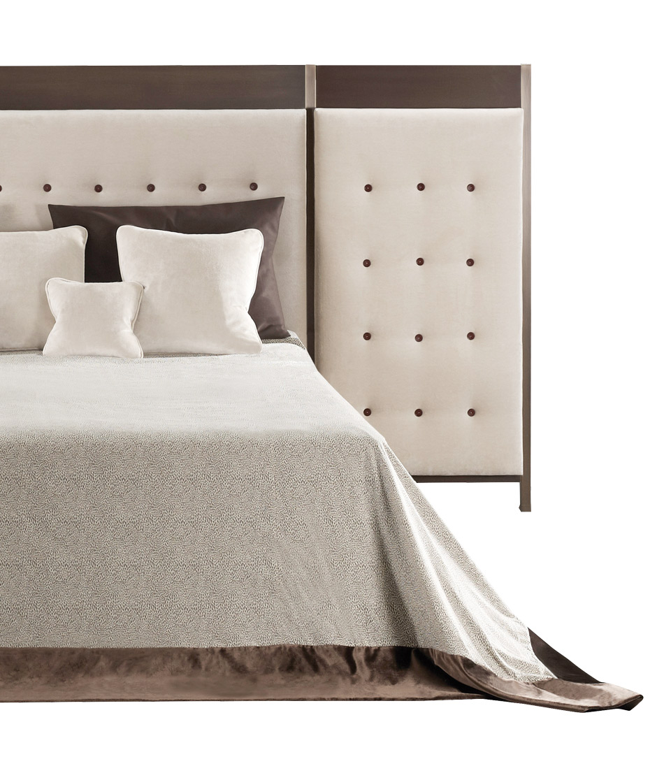 Gong is a double bed headboard with a bronze structure, from the Promemoria catalogue | Promemoria