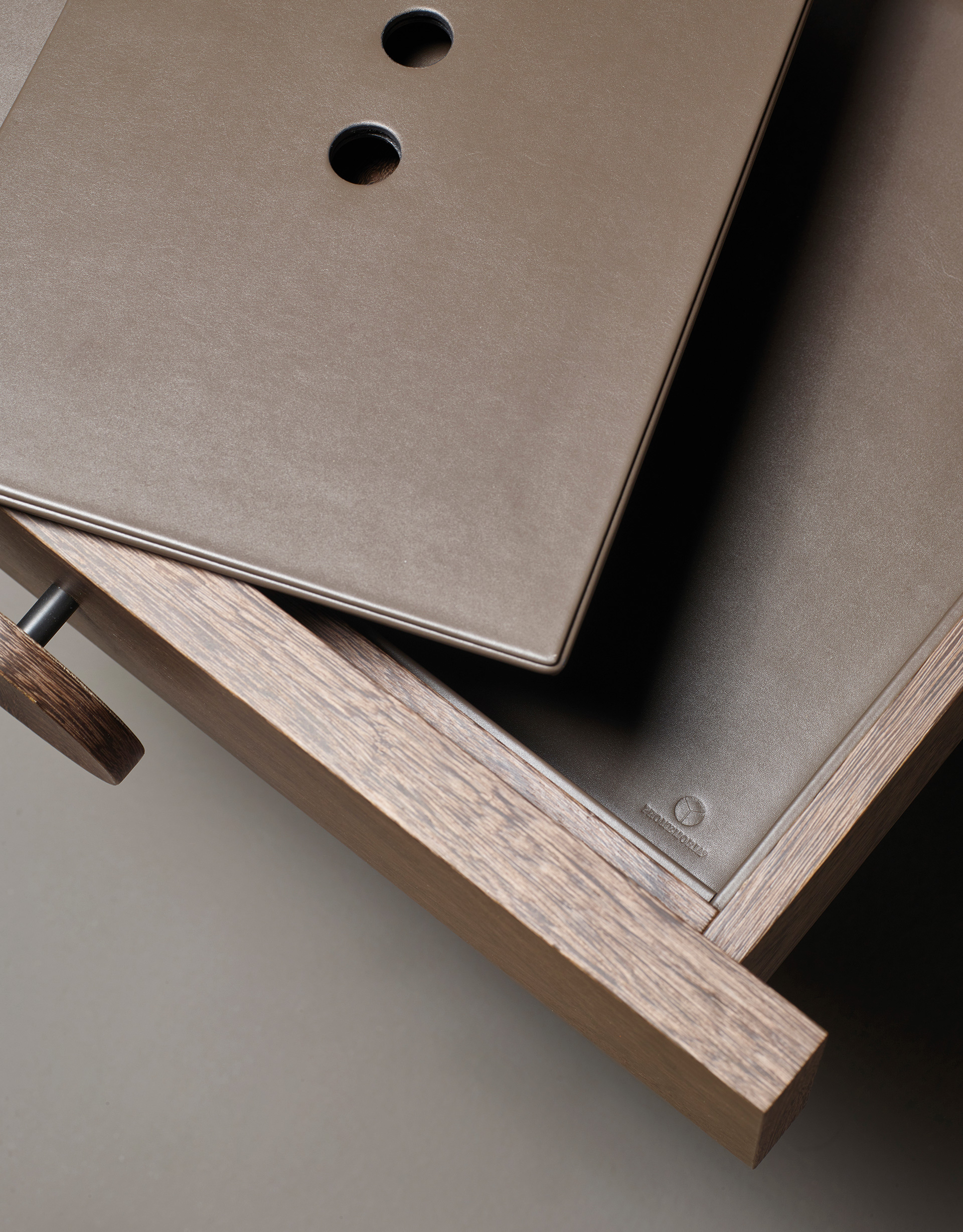 Drawers' detail of Dagoberto, a wooden bedside table with wheels and drawers from the Promemoria's catalogue | Promemoria