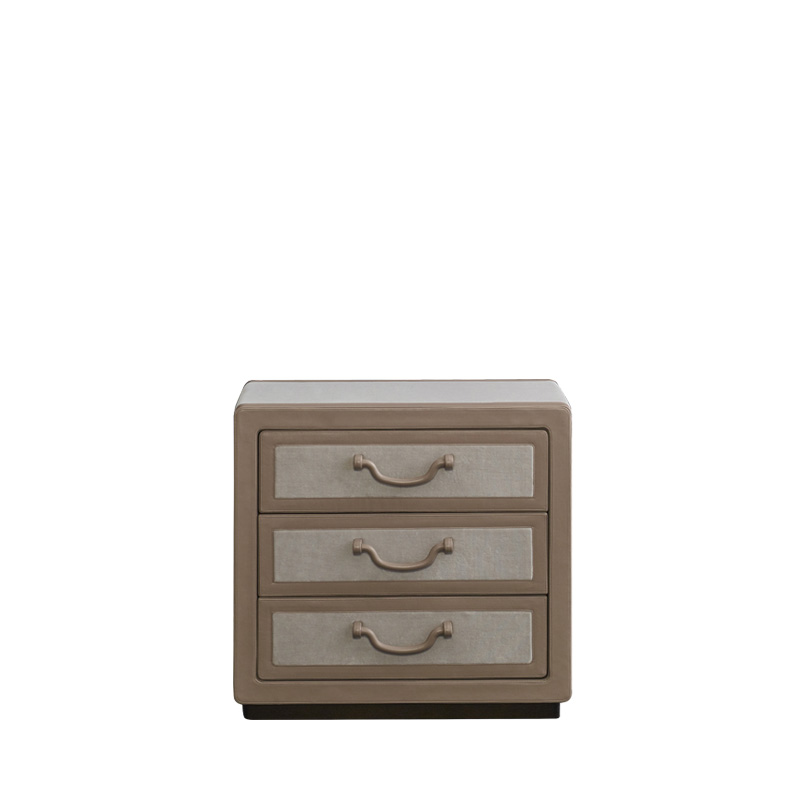 Future Voyager Atto II is a wooden chest of drawers covered in leather and fabric with handles and placemats in leather from Promemoria's catalogue | Promemoria