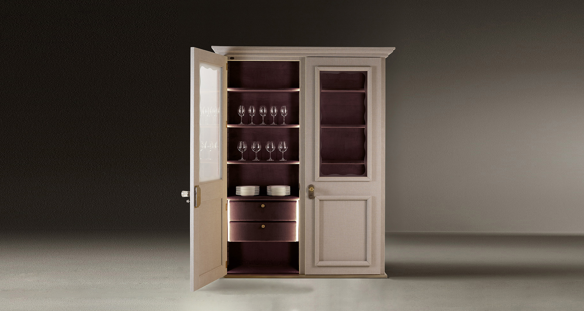 Inside of George, a wooden modular wardrobe with two, three or four doors covered in velvet or linen and details in bronze, from the Promemoria's catalogue | Promemoria