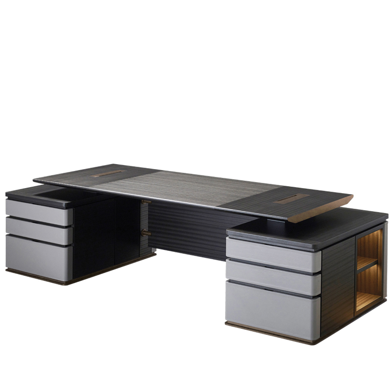 Au Bout de la Nuit is a wooden writing desk with base and details in bronze from the Promemoria's catalogue, that has been designed by Davide Sozzi in 2016 | Promemoria