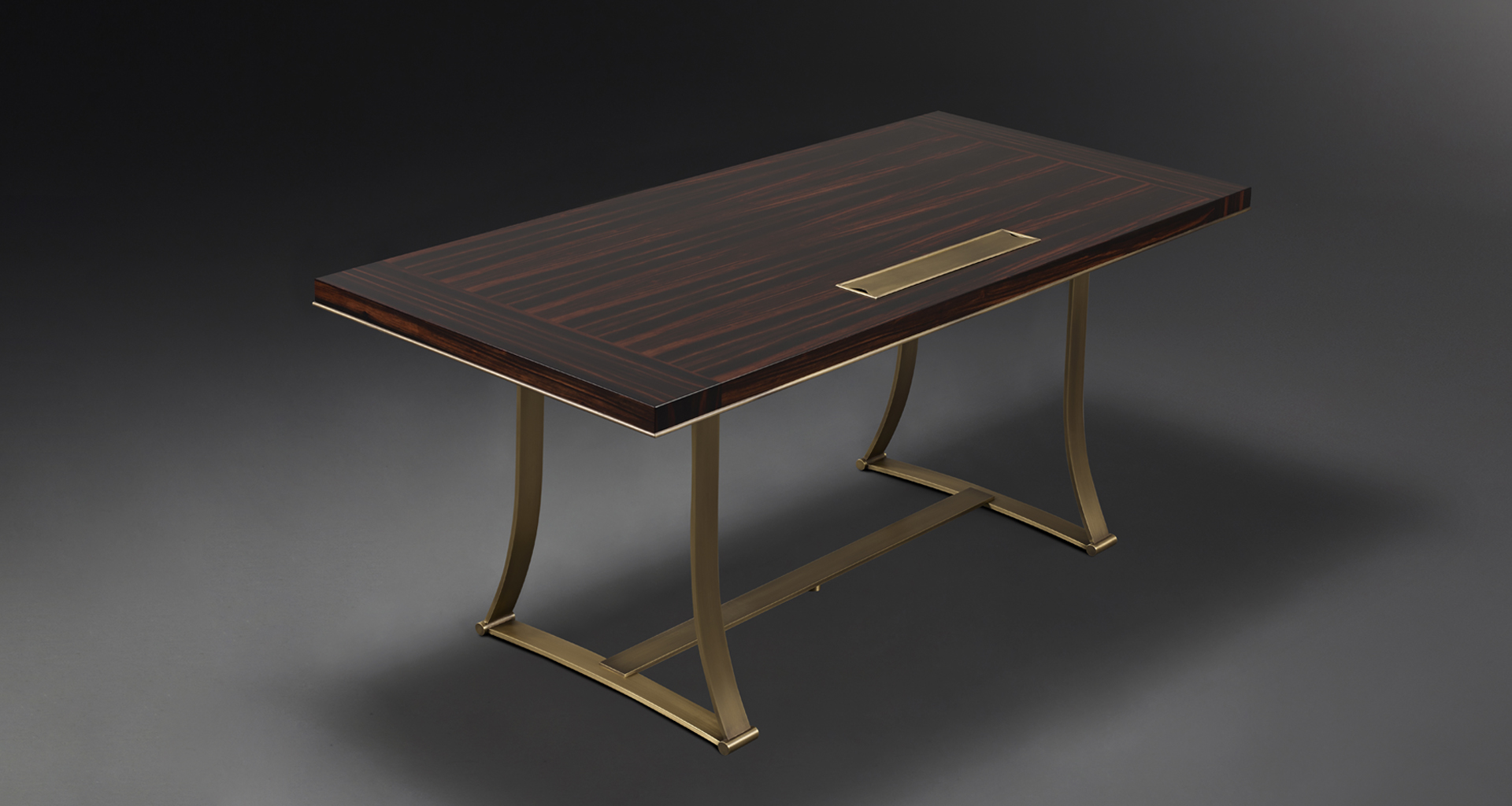 Victor is a table with bronze structure from the Promemoria's catalogue | Promemoria