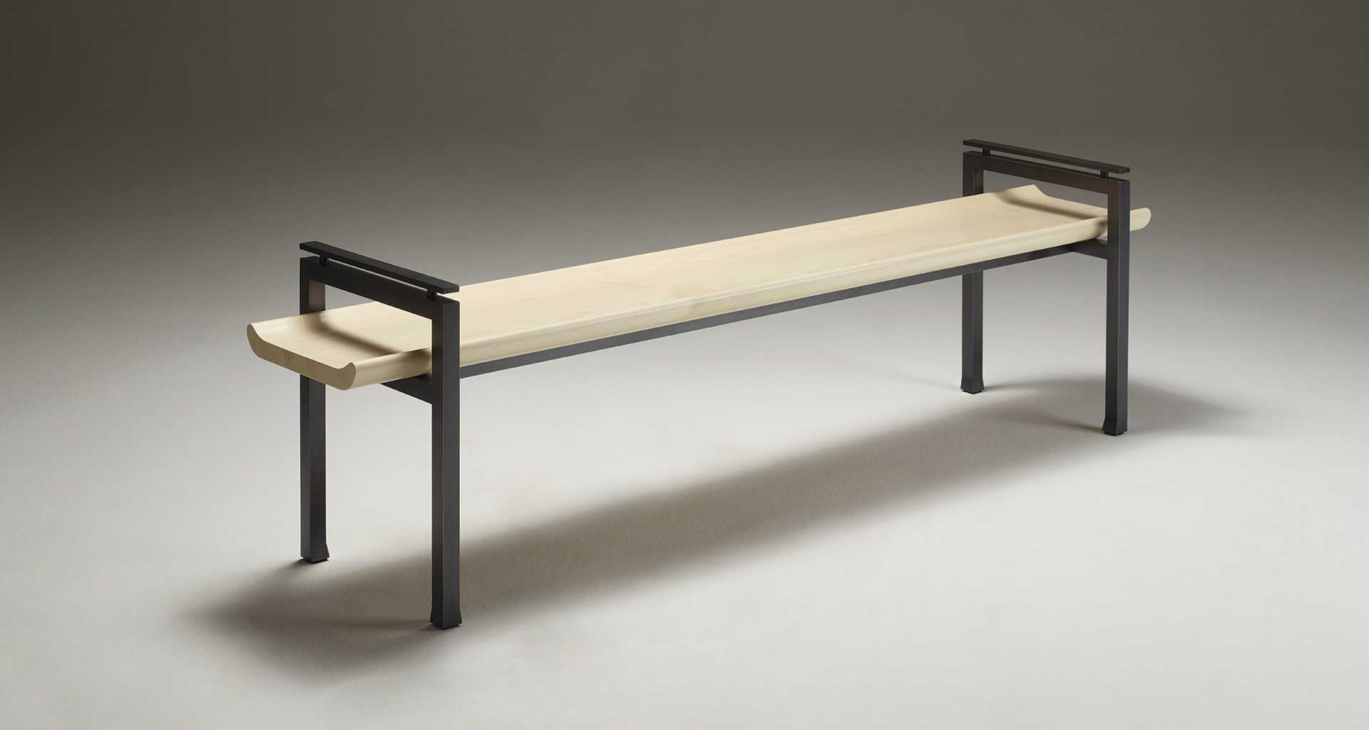 A passepartout bench with an elegant shape
