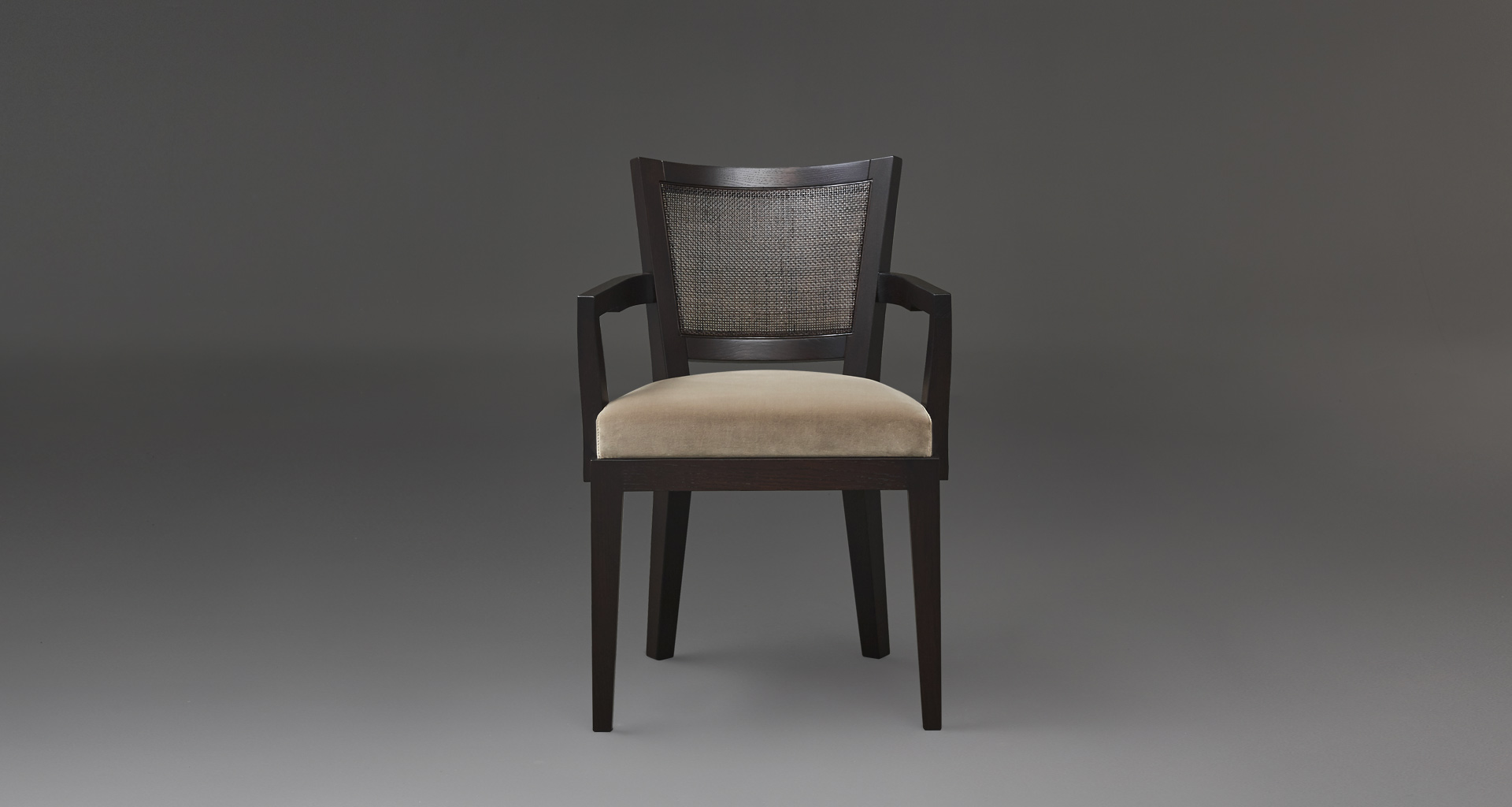 Caffè is a wooden dining chair, with straw backrest and fabric or leather seat, from Promemoria's catalogue | Promemoria