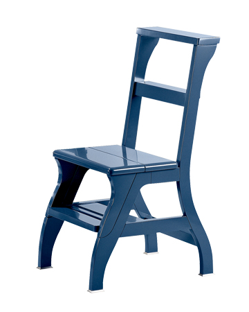 Rebecca is a wooden convertile ladder-chair with metal or bronze feet, from Promemoria's catalogue | Promemoria
