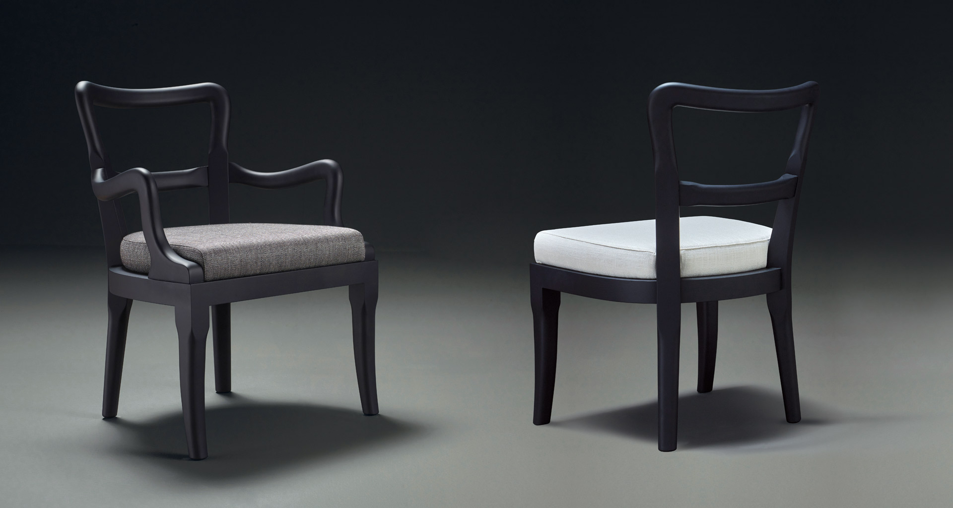Sofia is a wooden dining chair with fabric or leather seat and with or without armrests, from Promemoria's catalogue | Promemoria