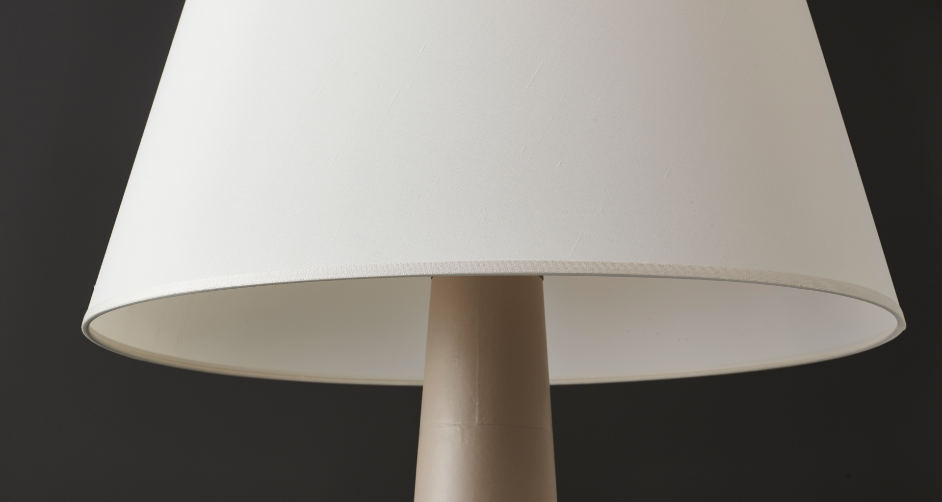 Lampshade detail of Pia, a floor LED lamp with wooden or leather structure, base n bronze or covered in leather and a hand-embroidered lampshade, from Promemoria's catalogue | Promemoria