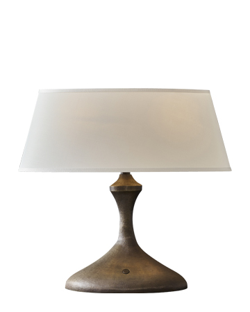 Elisabeth is a table LED lamp in bronze with linen, cotton or hand-embroidered silk lampshade, from Promemoria's catalogue | Promemoria