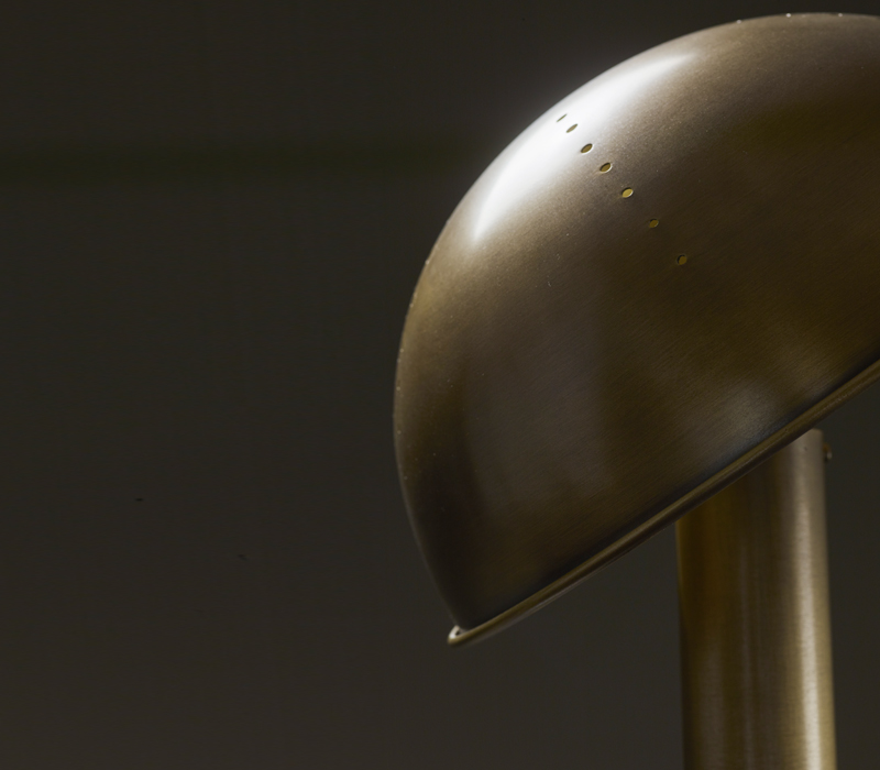 Detail of Luciola, a table LED lamp available in bronze, chrome or nickel, from Promemoria's catalogue | Promemoria
