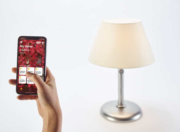 Zip.ico is a LED WiFi table lamp in alluminum with cotton and methacrylate diffusers, controlled controlled using the Apple Home app, from Promemoria's catalogue | Promemoria