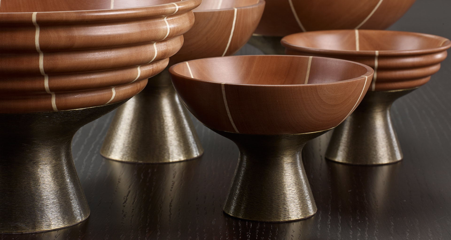 Coppetta is a bronze and wooden vase from Promemoria's catalogue | Promemoria