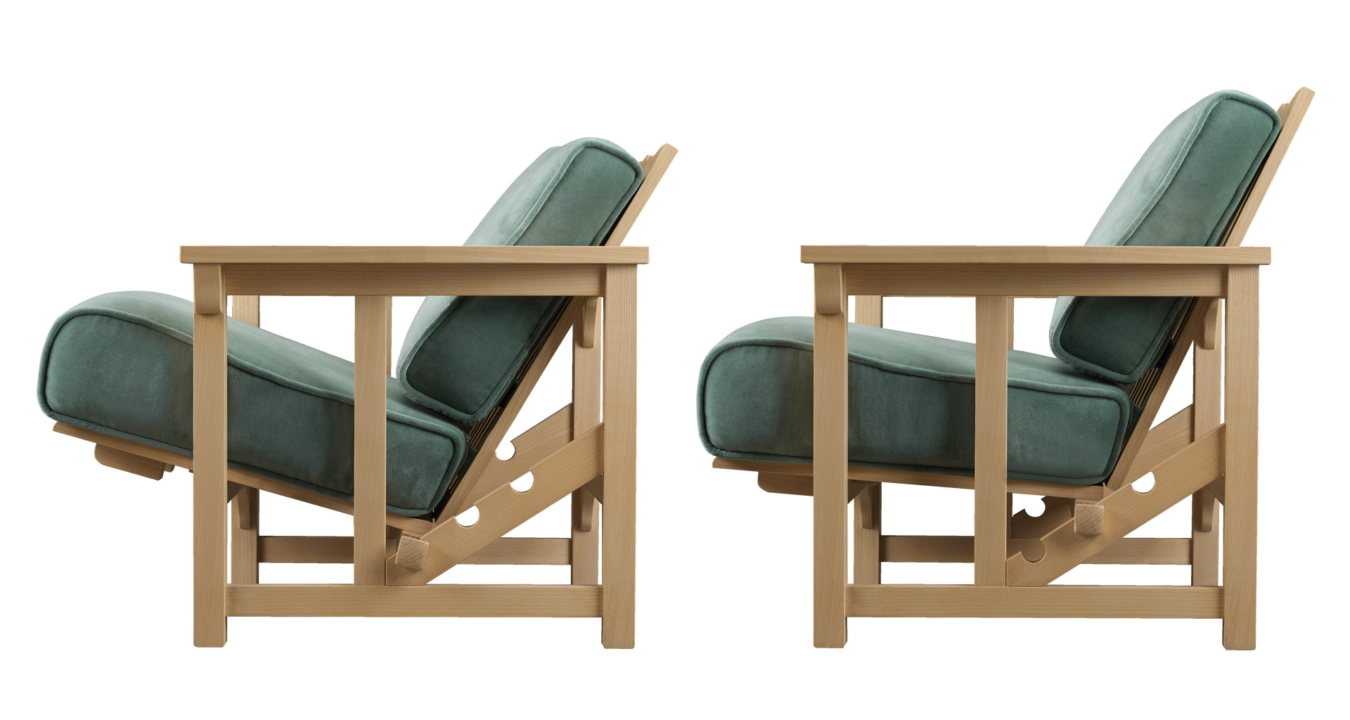 Tremezzo is an outdoor reclining wooden armchair with removable fabric or leather cushion, from Promemoria's outdoor catalogue | Promemoria
