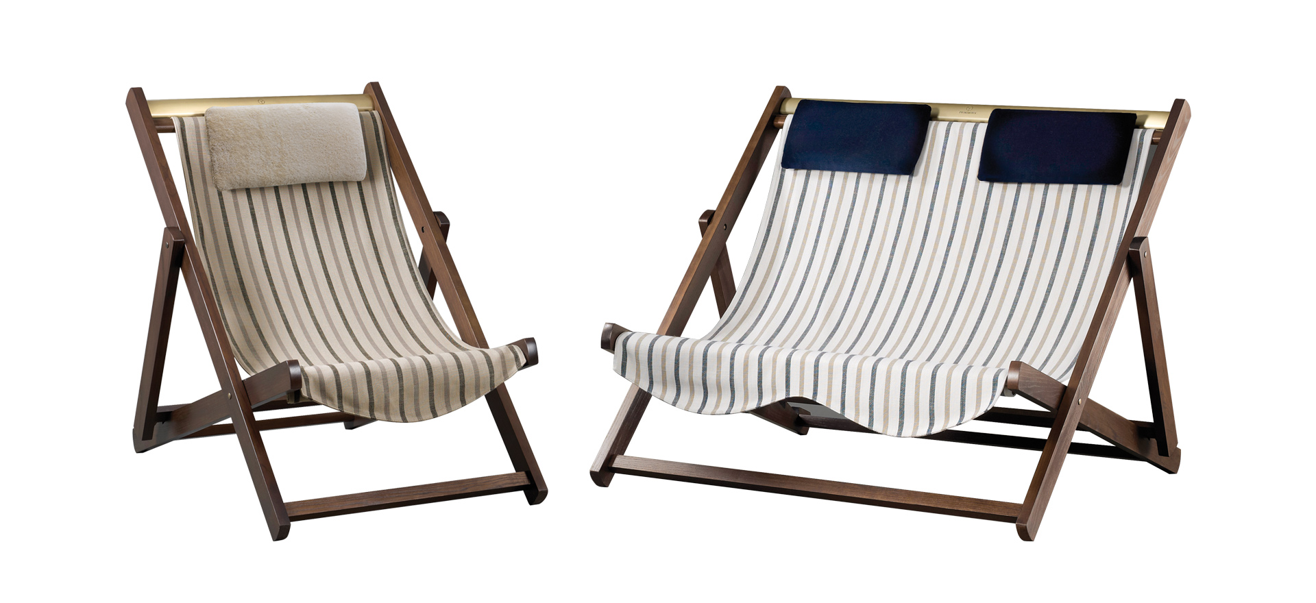 Menaggio is an outdoor wooden deckchair, covered in fabric or leather with bronze details, from Promemoria's outdoor catalogue | Promemoria