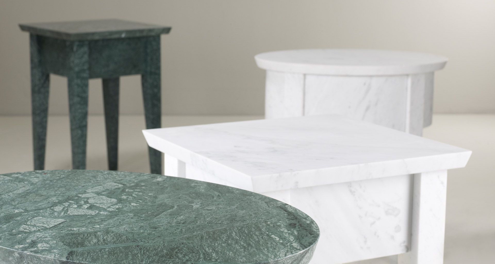 Lierna is an outdoor marble small table and console, from Promemoria's outdoor catalogue | Promemoria