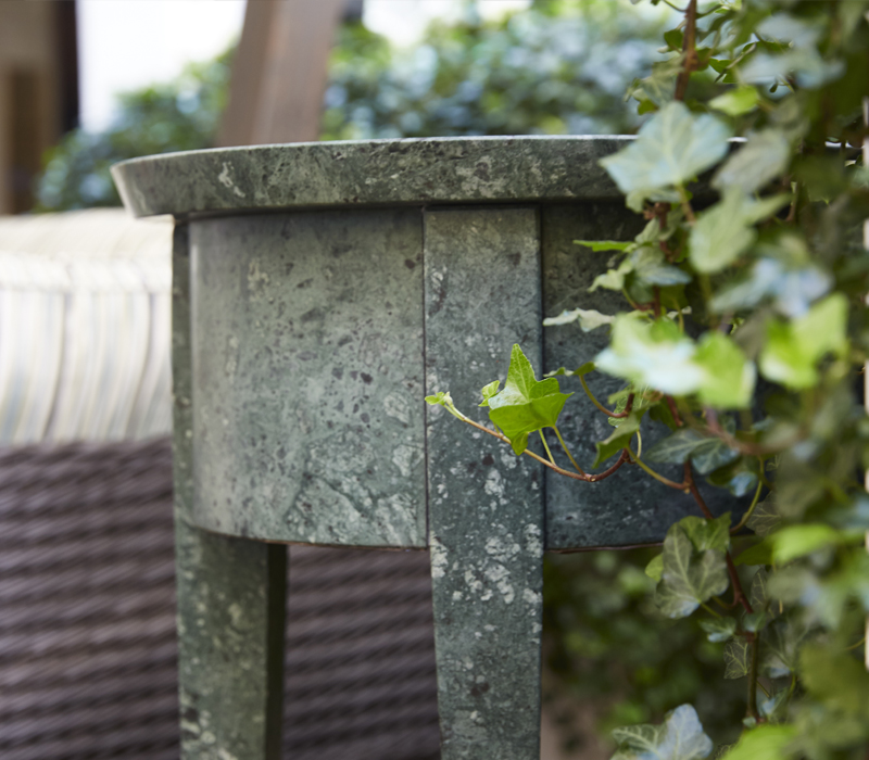 Detail of Lierna, an outdoor marble small table, from Promemoria's outdoor catalogue | Promemoria