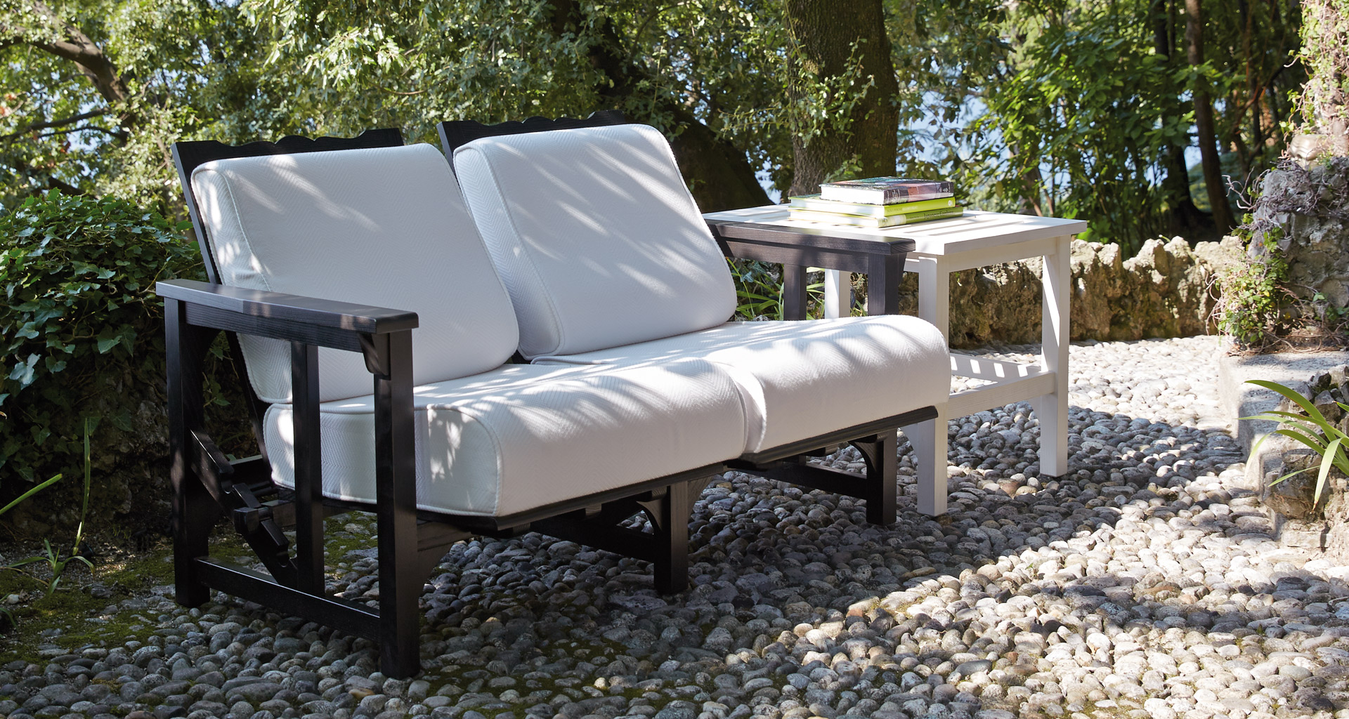Tremezzo is an outdoor wooden small table from Promemoria's outdoor catalogue | Promemoria