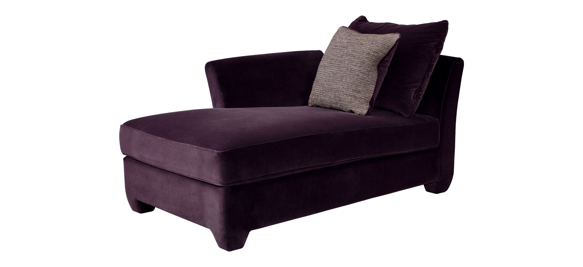 Augusto is a chaise longue covered in fabric with fabric or leather cushions, from Promemoria's catalogue | Promemoria