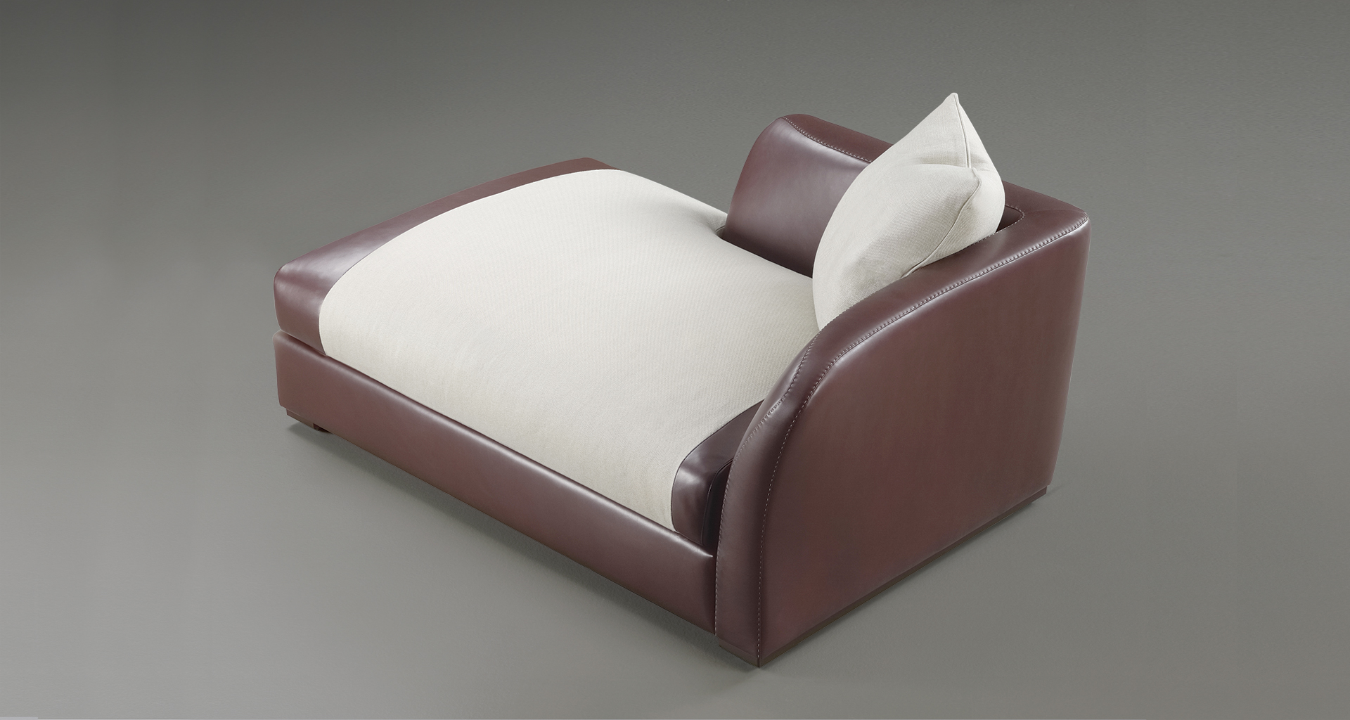 Shangri-la is a wooden chaise longue covered in fabric or leather, from Promemoria's catalogue | Promemoria