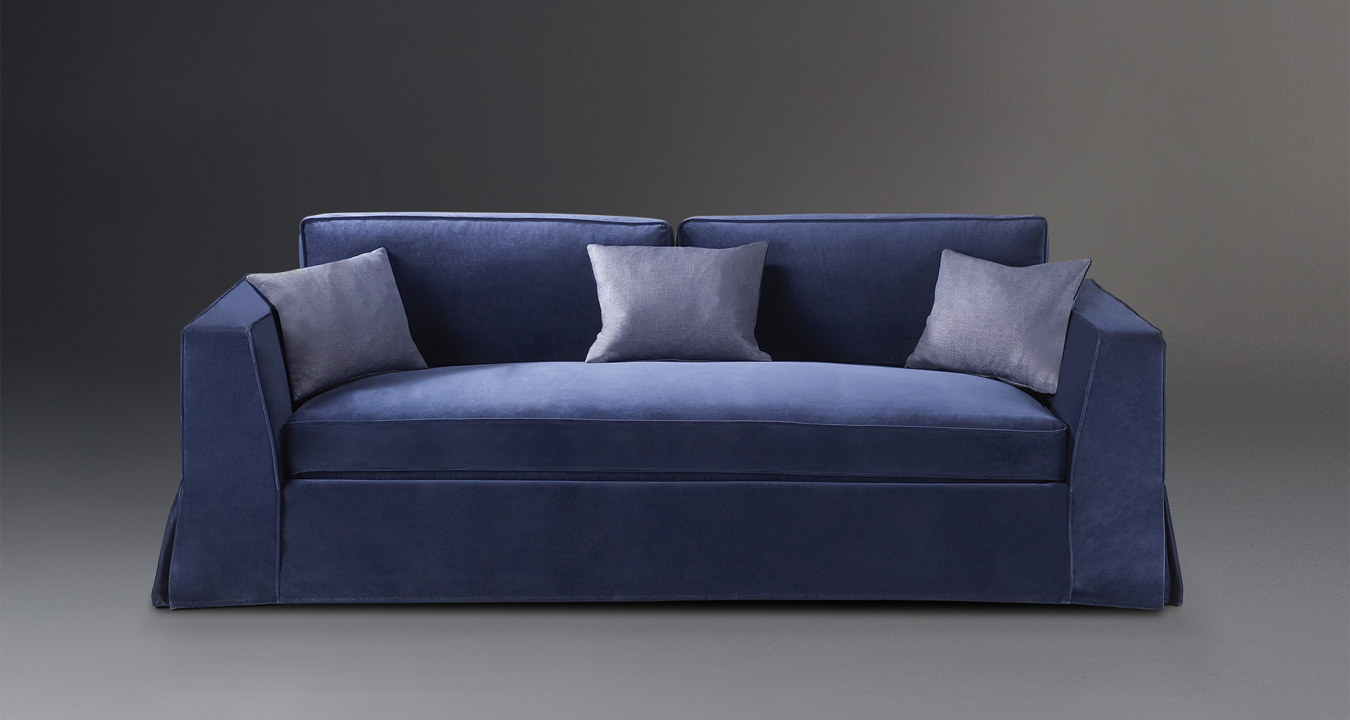 Oscar is a sofa completely covered in removable fabric, from Promemoria's catalogue | Promemoria