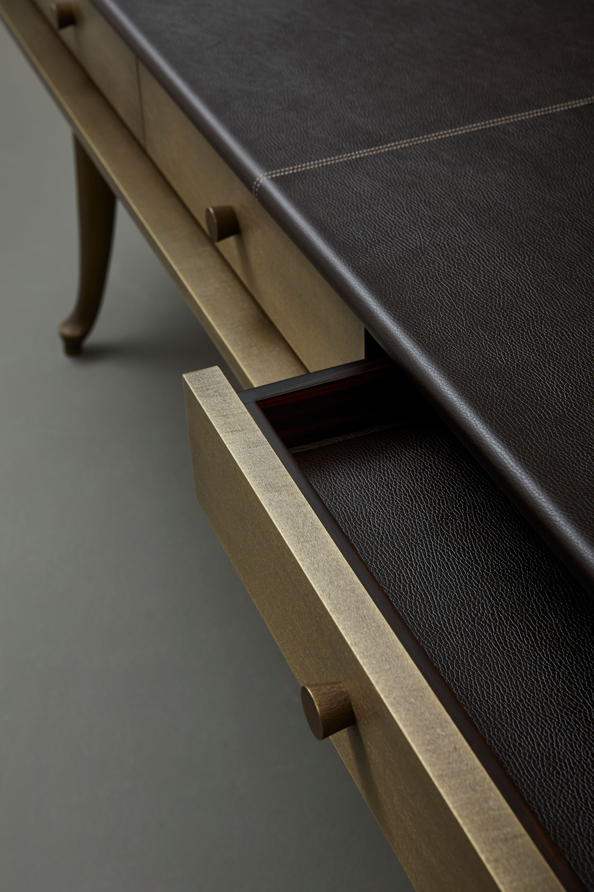 Drawers detail of Muu, a bronze console, from Promemoria's catalogue | Promemoria