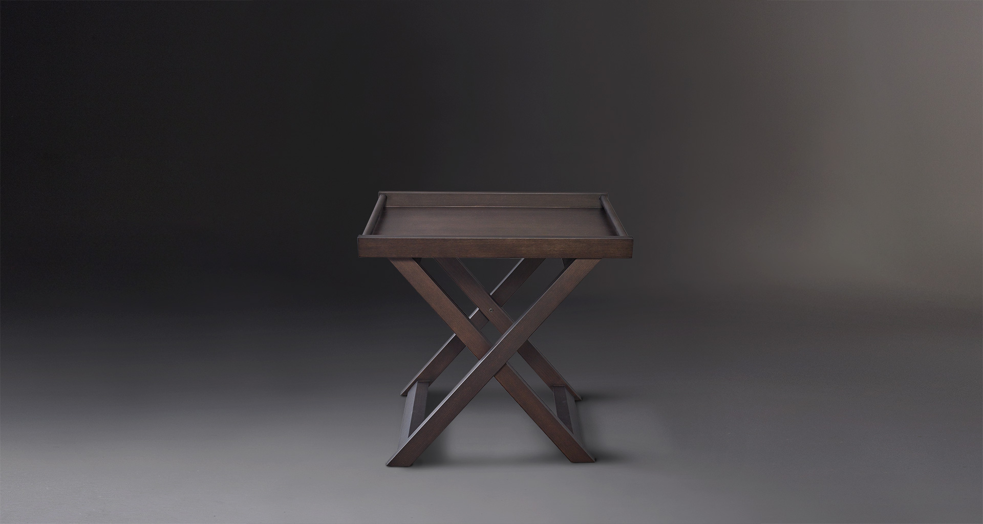 Achille is a folding wooden small table with a tray from Promemoria's catalogue | Promemoria