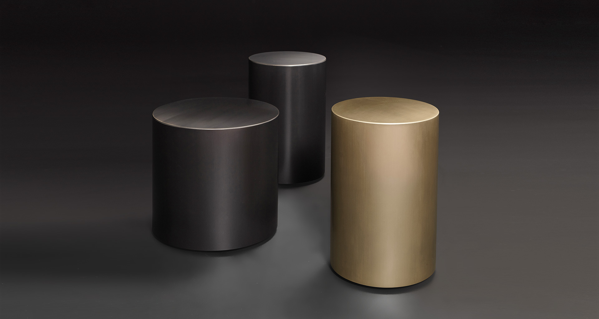 Edo is a bronze small table with wheels from Promemoria's catalogue | Promemoria