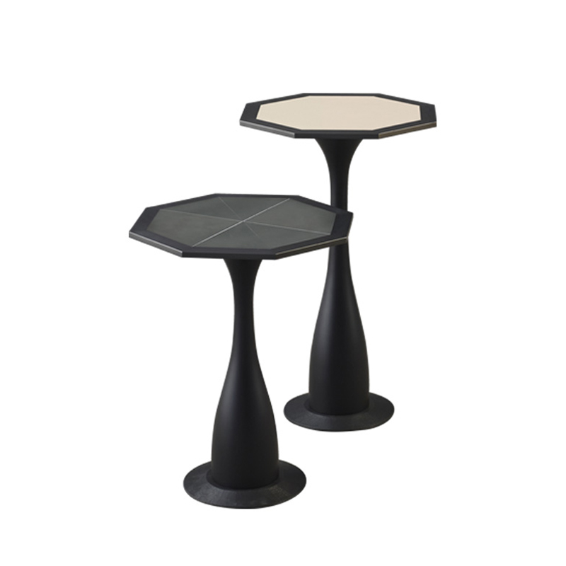 Ikò is a wooden and bronze small table shaped like a flower, from Promemoria's catalogue | Promemoria