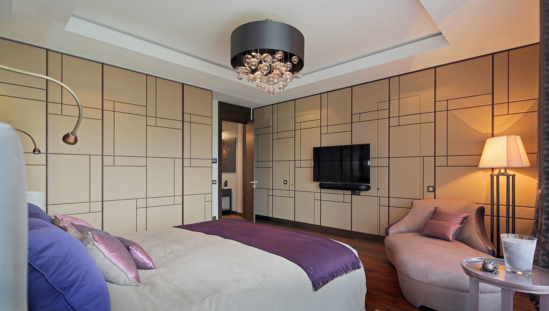 Bedroom in a private residence in Moscow furnished with Promemoria | Promemoria
