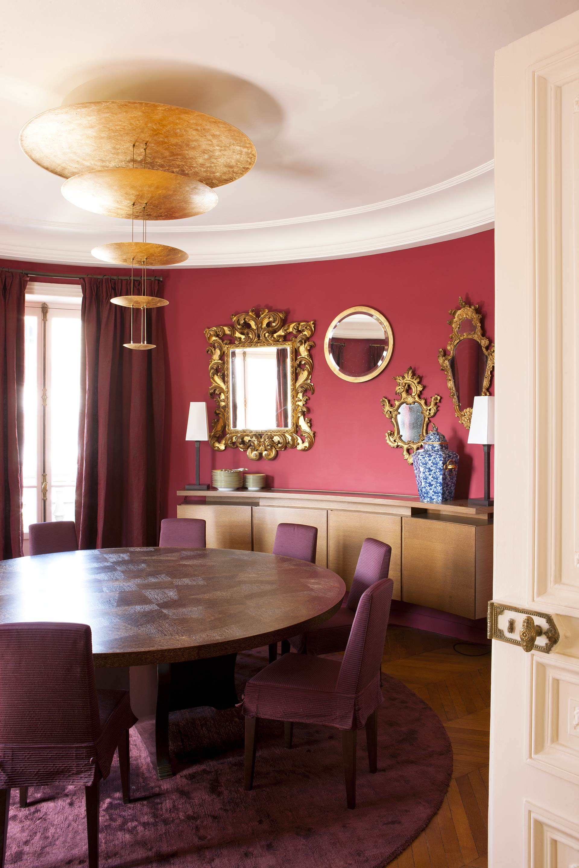 Dining room in a private residence in Paris furnished with Promemoria | Promemoria