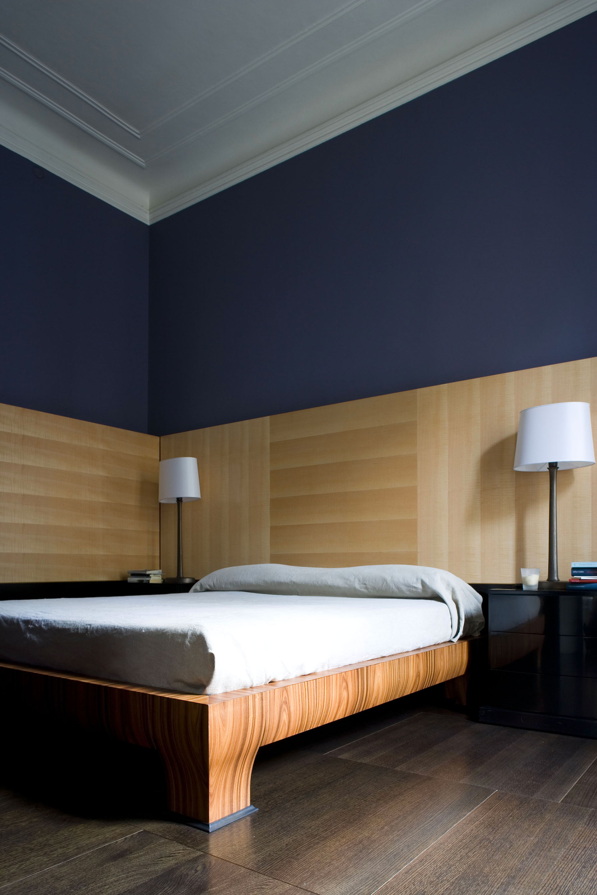 Bedroom of a private residence in Milan furnished with Promemoria | Promemoria