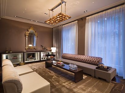 Living room in a private residence in London furnished with Promemoria | Promemoria