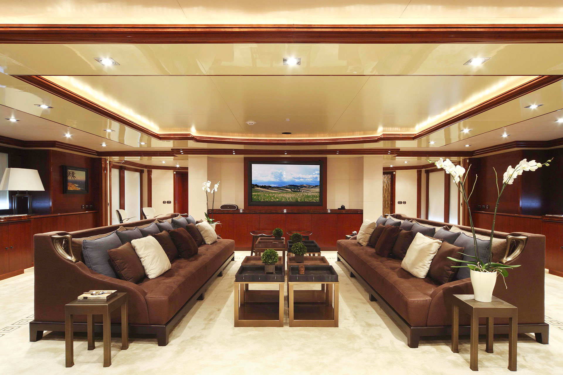 Dining room in the AZTECA Yacht furnished with Promemoria | Promemoria