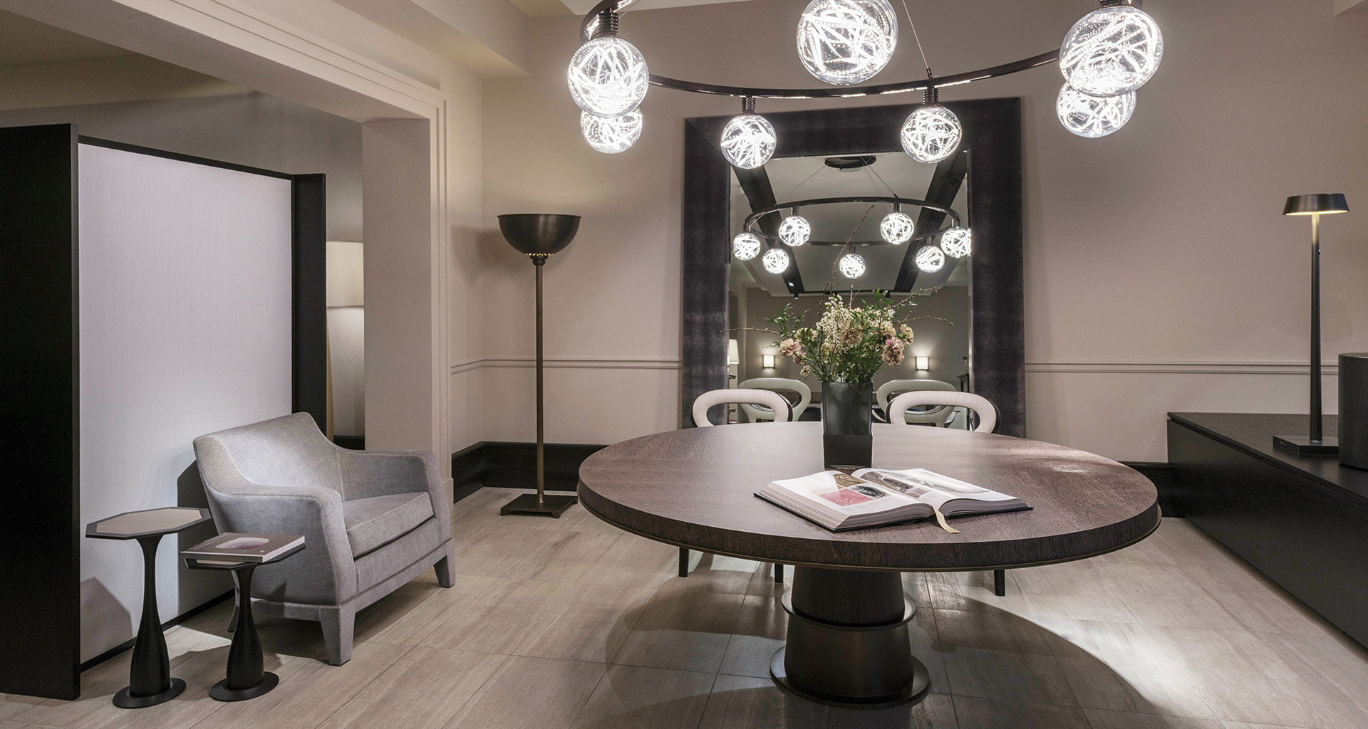 DIning room in Promemoria's single-brand showroom in Munich | Promemoria