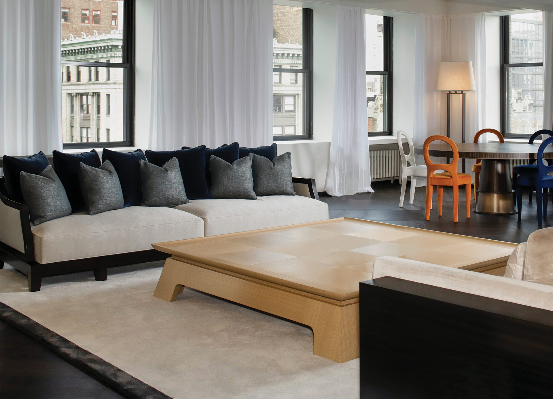 In 2019 the New York showroom moved to Madison Avenue at 32nd Street, located on the 17th floor right above design row and steps away from the Empire State Building.