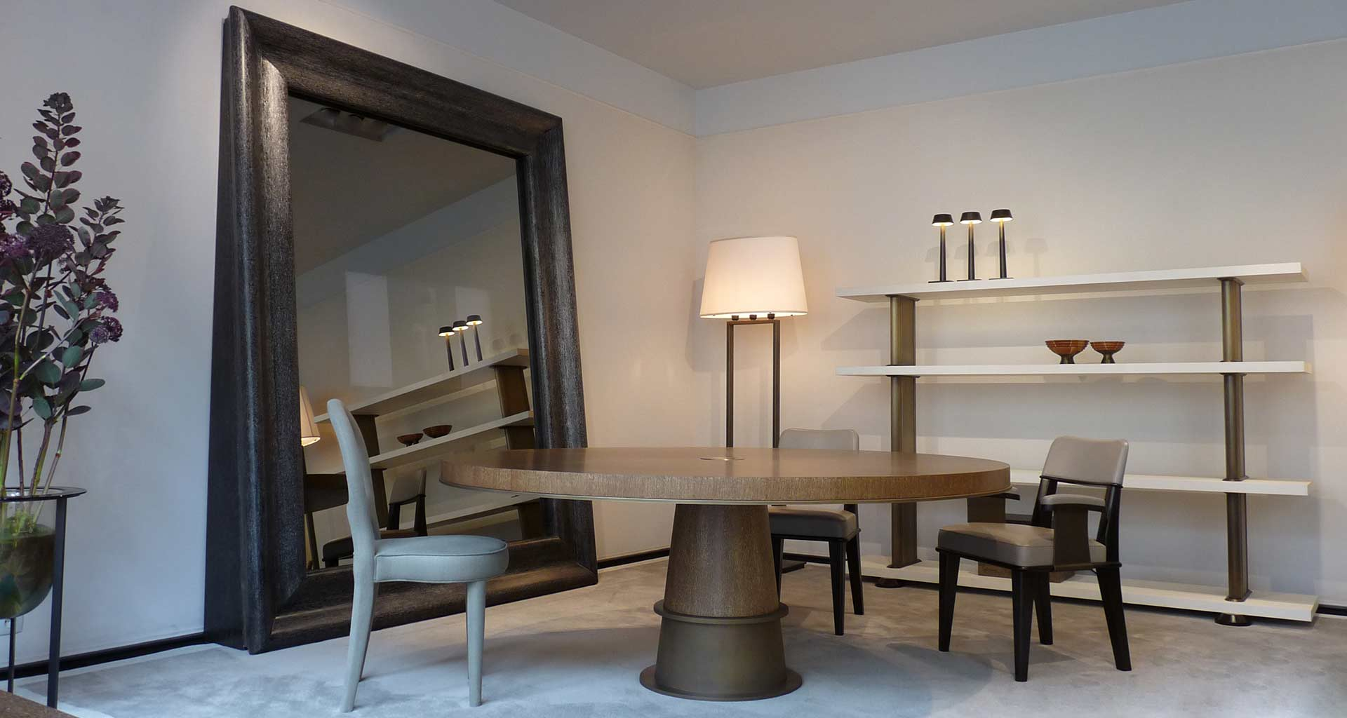 Dining room in Promemoria's single-brand showroom in Paris | Promemoria